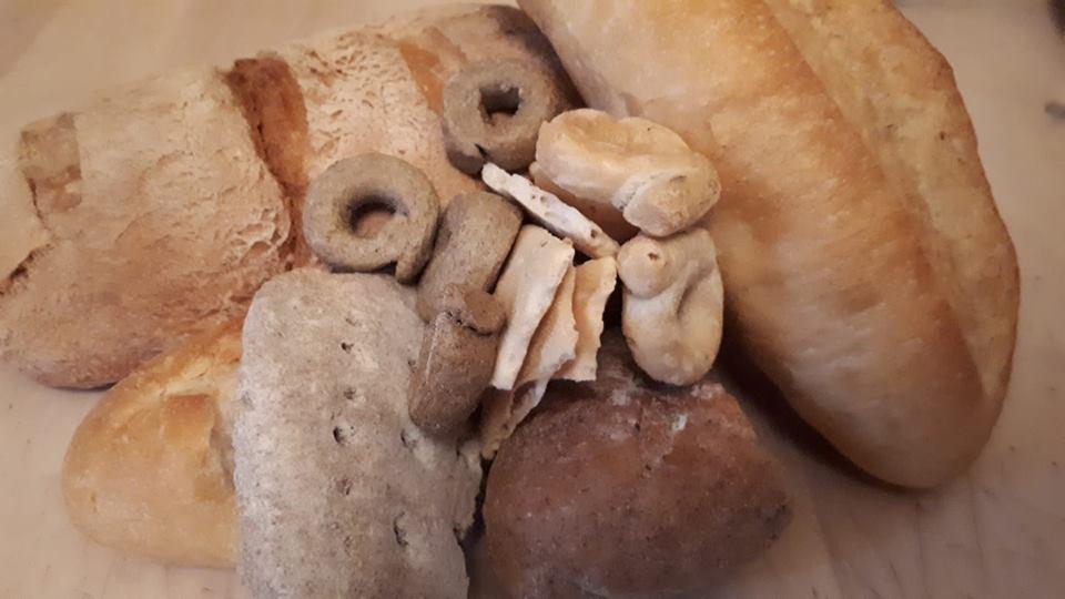 mangiaradio-3-06-pane-e-companatico