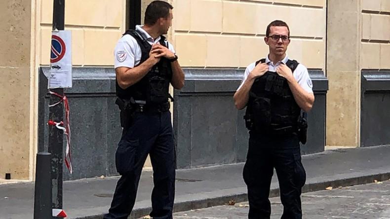 Valentin Gendrot, reporter francese, si infiltra nella Polizia