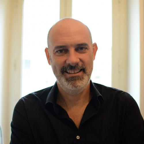 La stanza di Adil 1.06 – Intervista a Stefano Liberti