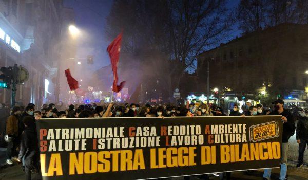 Roma in piazza contro l'approvazione della legge di bilancio