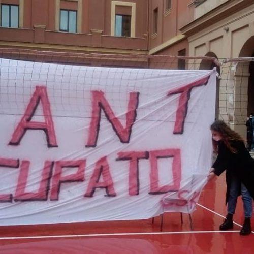 Giovani sull'orlo di una crisi 3.14 – Kant occupato!