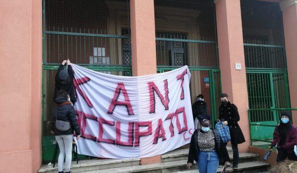 Solidarietà agli studenti del Liceo Kant di Roma