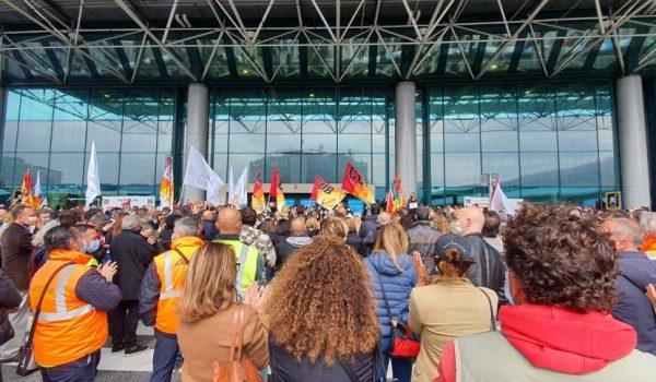 Report dalla lotta delle Lavoratrici e Lavoratori Alitalia: Non Molleremo Mai!