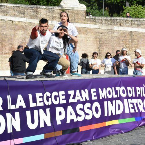 TRANSfemmINonda 2.35 – #moltopiùdiZan: le voci arcobaleno in piazza
