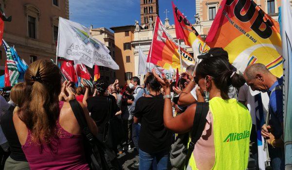 Alitalia: la mobilitazione continua